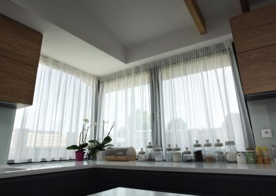 záclony v kuchyni